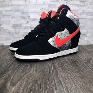 Nike Dunk Sky High Queen Of Hearts